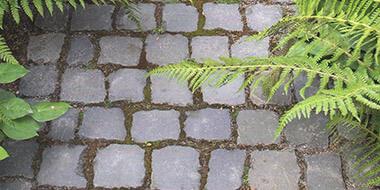 Rasenkanten & Pflastersteine